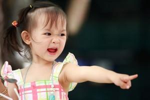 Sai lầm cần tránh khi dạy trẻ bướng bỉnh